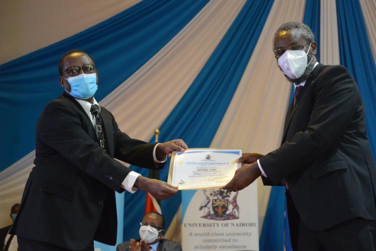CIA receiving best performance certificate
